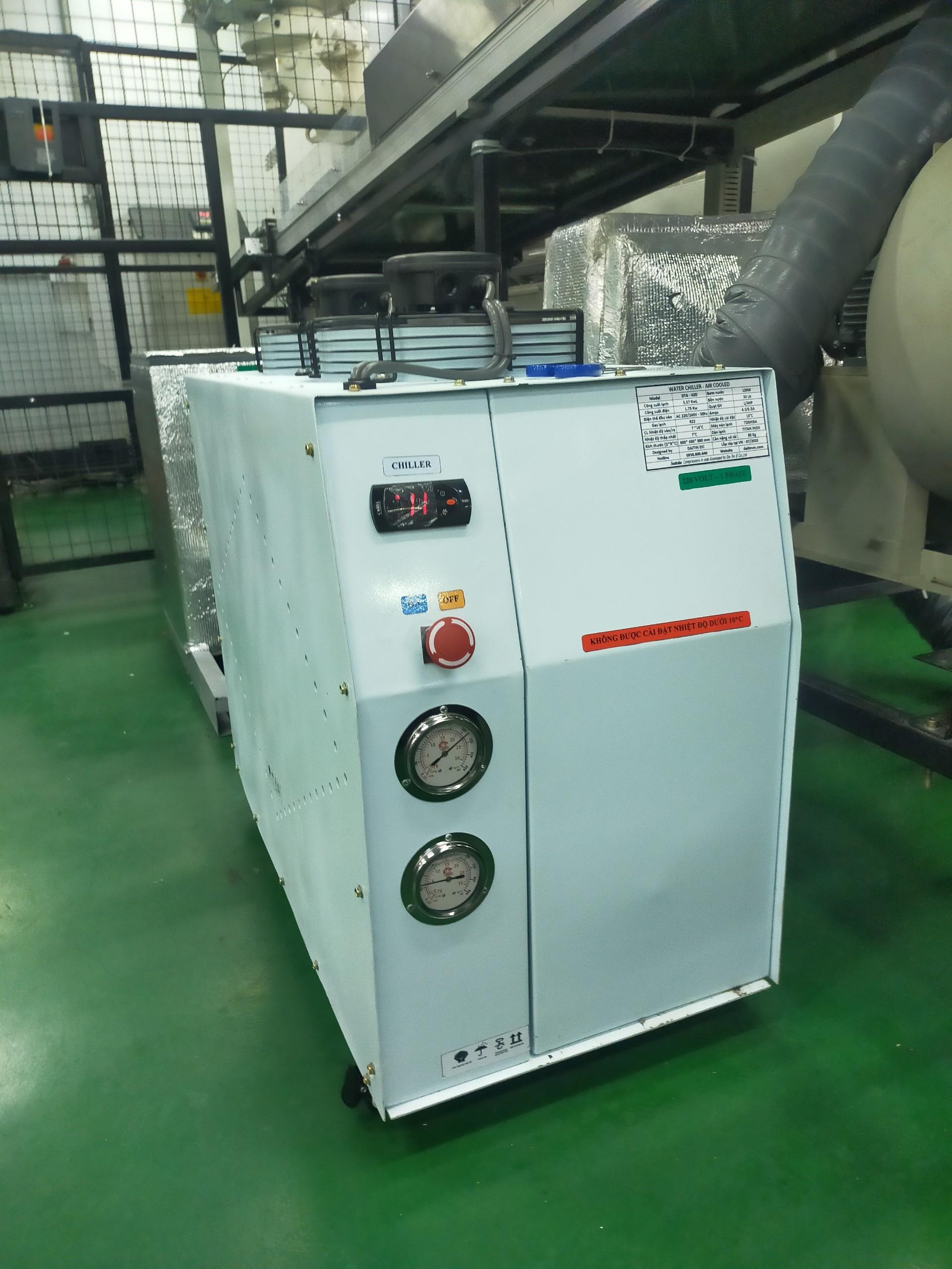 máy làm lạnh nước chiller moi 1hp